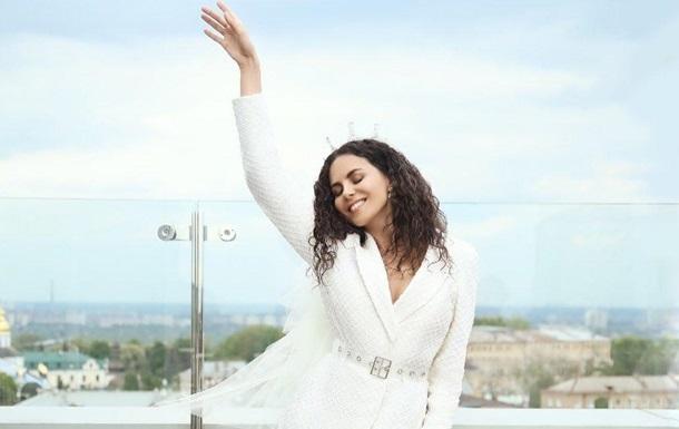 Певица Настя Каменских показало видео со своего девичника
