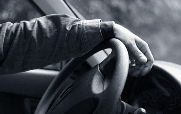 В Харькове мужчина умер за рулем авто