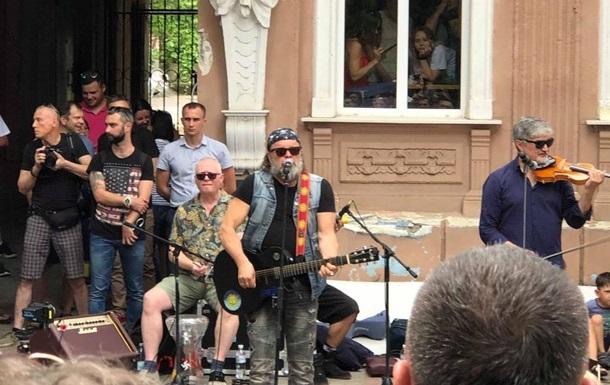 Борис Гребенщиков виступив посеред вулиці Херсона