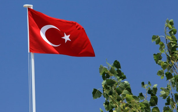 Кредитний рейтинг Туреччини знижений до  сміттєвого