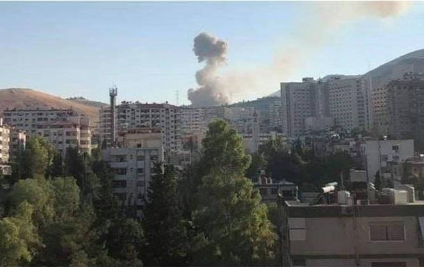 Под Дамаском мощный взрыв на военном складе