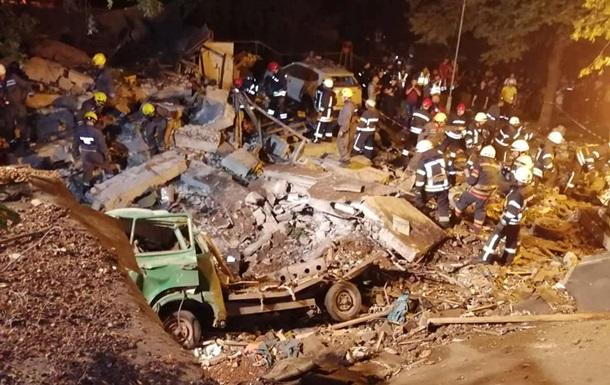 На місці вибуху в Києві розбирають завали - ДСНС