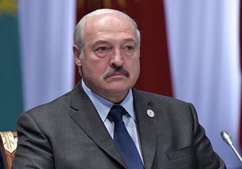 «Парниша, а где твои мозги?»: Лукашенко теряет доверие Кремля
