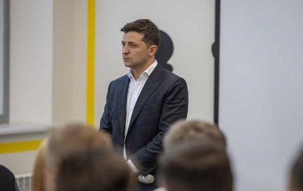 Роспуск Рады: Зеленский пообещал не влиять на КСУ