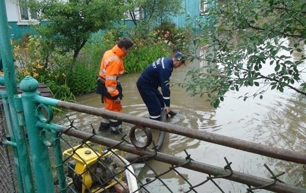 Дожди подтопили сотни участков в двух областях