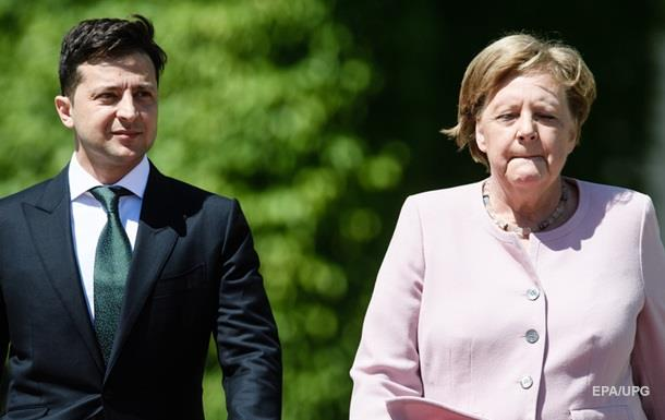 Меркель начало трясти на встрече с Зеленским