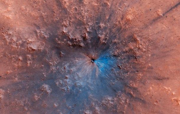 Апарат зняв на Марсі новостворений кратер