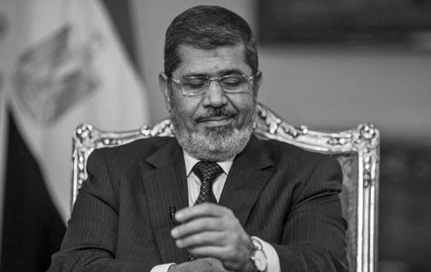 В Єгипті поховали екс-президента Мухаммеда Мурсі
