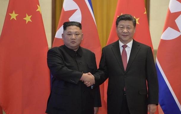 Лідер Китаю Сі Цзіньпін уперше прибув до Північної Кореї