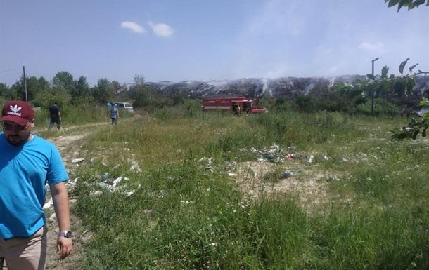 У Житомирській області п яту добу горить сміттєзвалище
