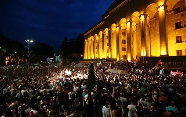 Протесты в Грузии: РФ обвинила украинского нардепа в подстрекательстве