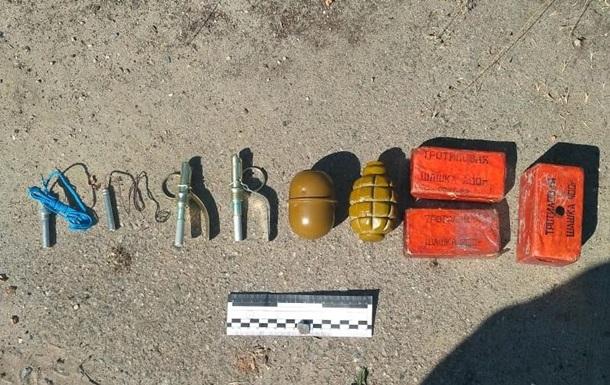 У Миргороді колишній військовий продавав вибухівку і гранати