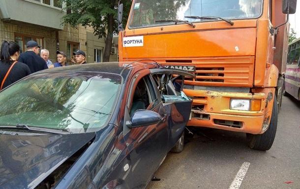Масштабное ДТП в Одессе: столкнулись семь авто