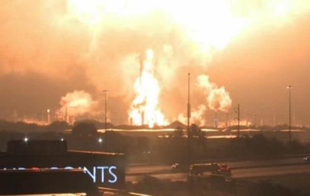 На нефтеперерабатывающем заводе в США произошел взрыв и пожар