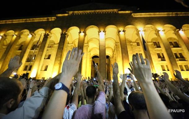 Протестувальники у Тбілісі не планують розходитися