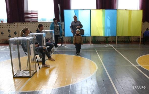 Стало відомо, скільки українців змінили місце голосування