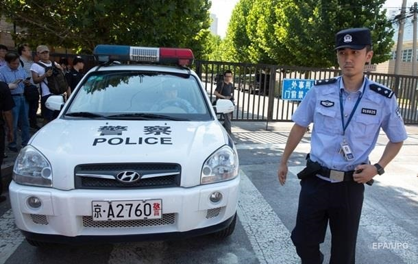 В Китае внедорожник влетел в толпу пешеходов: есть жертвы