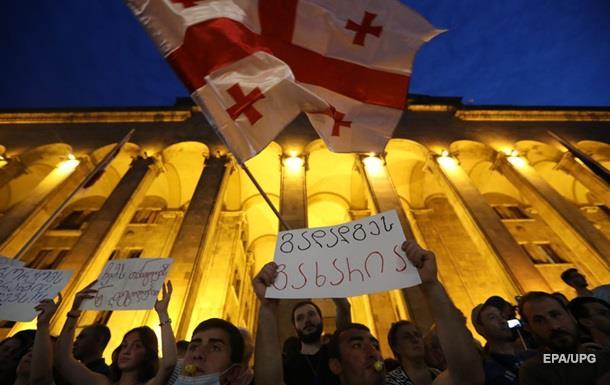 В Тбилиси продолжились протесты