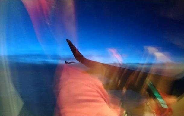 Пасажир розповів про перехоплення літака винищувачами над Словаччиною