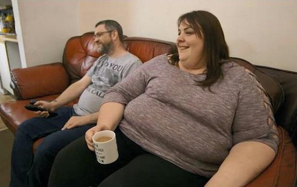 Женщина весом 222 кг спланировала похороны и продолжила есть