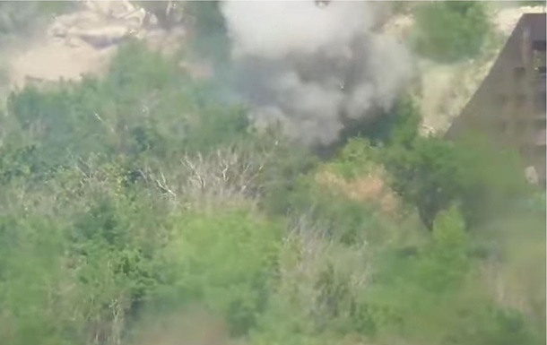 Військовий показав знищення укріплень сепаратистів