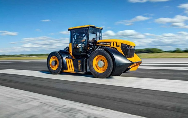 Гонщик установил рекорд скоростной рекорд на тракторе
