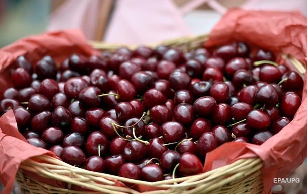 У МОЗ радять їсти шовковицю і черешню кожного дня