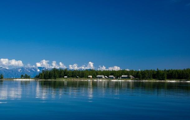 Вчені назвали воду в озері Байкал токсичною