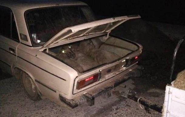 Поліцейські затримали ВАЗ із повним багажником овець