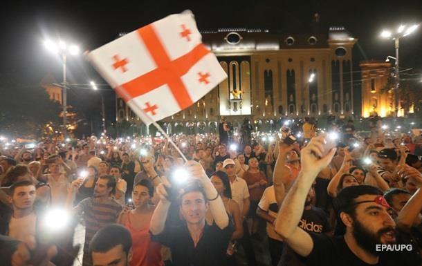 У Тбілісі звільнили півсотні затриманих на мітингу
