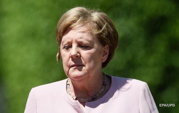 У Меркель новый приступ. Что со здоровьем канцлера