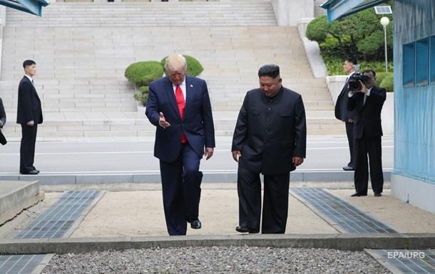 Трамп і Кім Чен Ин зустрілися на кордоні двох Корей
