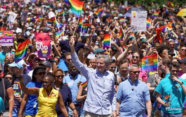 Нью-Йорк провів найбільший ЛГБТ-парад в історії