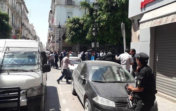 Мощный взрыв прогремел в столице Туниса