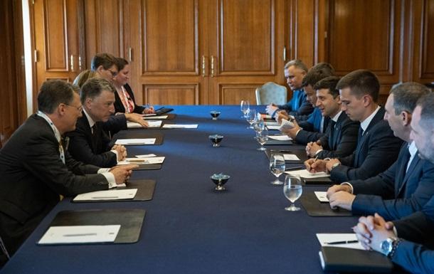 Зеленський і Волкер обговорили ситуацію на Донбасі