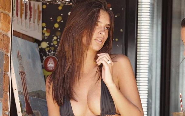 Модель Эмили Ратаковски снялась без одежды