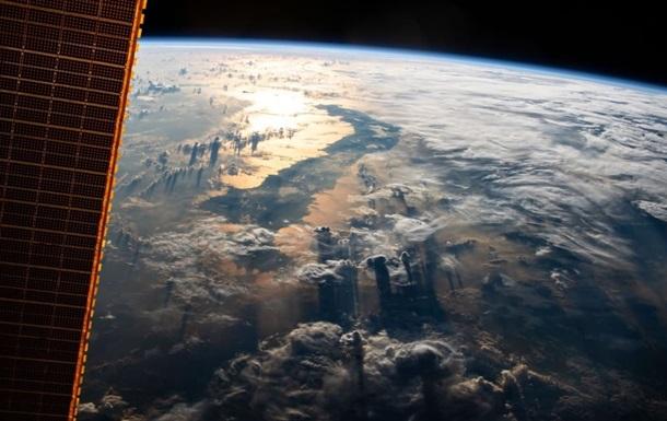 NASA показало снятое с МКС зрелищное фото Земли
