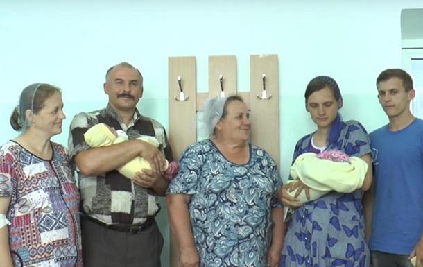 Невестка и свекровь одновременно родили в Житомире