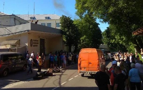 На Львовской табачной фабрике идут обыски
