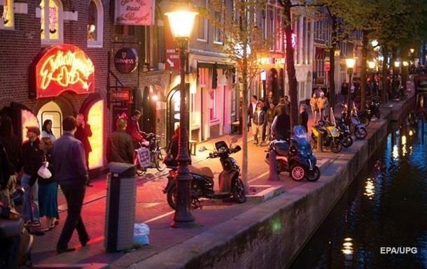Мер Амстердама хоче закрити квартал червоних ліхтарів