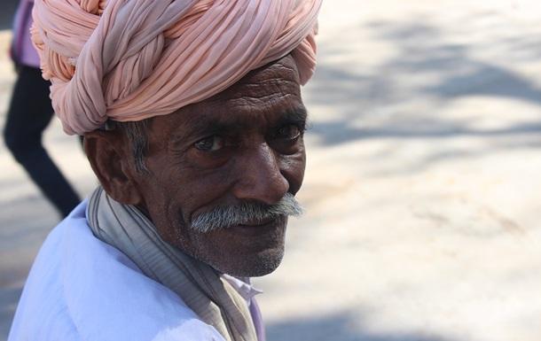 Покойник  ожил  на похоронах в Индии