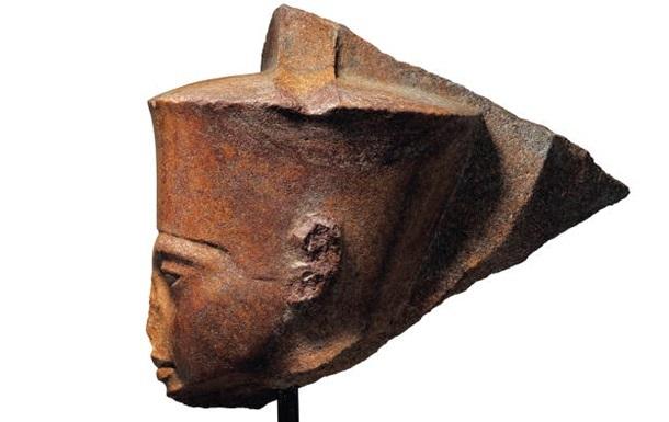 Бюст Тутанхамона продали на аукционе почти за шесть миллионов долларов