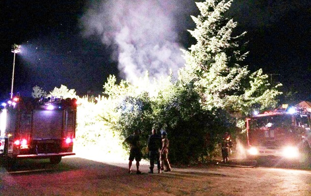 На Закарпатье неизвестные сожгли два автомобиля