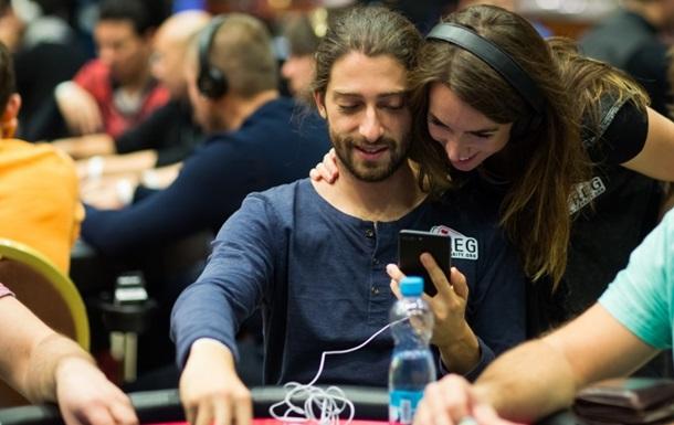 Чемпионат мира по покеру начался с семейной драмы