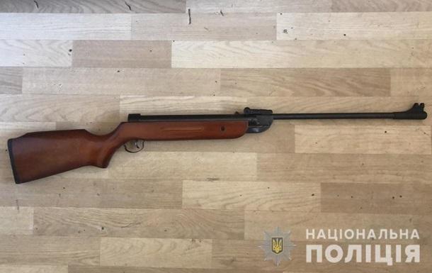 На Киевщине подросток ранил брата из ружья