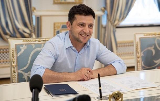 Зеленский разрешил гражданским возглавлять Минобороны