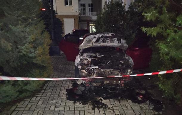 У Херсоні спалили авто довіреної особи кандидата в нардепи
