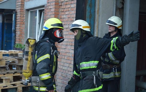 У Луганській області евакуювали понад 60 осіб з аварійного будинку
