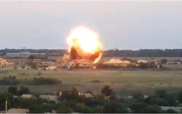 Военные опубликовали видео обстрела мирного объекта под Донецком