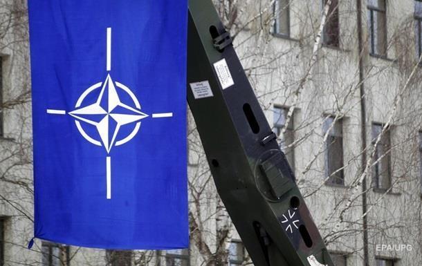 Визит генсека НАТО в Украину перенесли